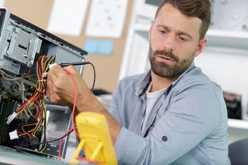 Technicien/Ingénieur S.A.V machines de mesures et contrôles (H/F)